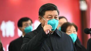 Le dirigeant chinois Xi Jinping a effectué, mardi 10 mars, un déplacement très symbolique à Wuhan.