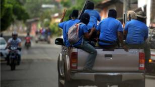Des paramilitaires dans le quartier de Monimbo, à Masaya, au Nicaragua, le 18 juillet 2018.