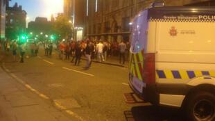 """Les Mancuniens étaient tous """"United"""" pour la finale de la Ligue Europa malgré l'attentat qui a secoué la ville le 22 mai."""