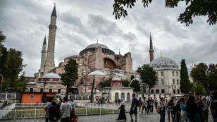 L'ancienne basilique Sainte-Sophie d'Istanbul construite au VIe siècle à l'entrée du détroit du Bosphore et de la Corne d'or.