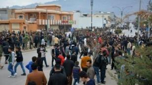 متظاهرون ضد الفساد في مدينة رانية شمال السليمانية في كردستان العراق في 20 كانون الأول/ديسمبر 2017