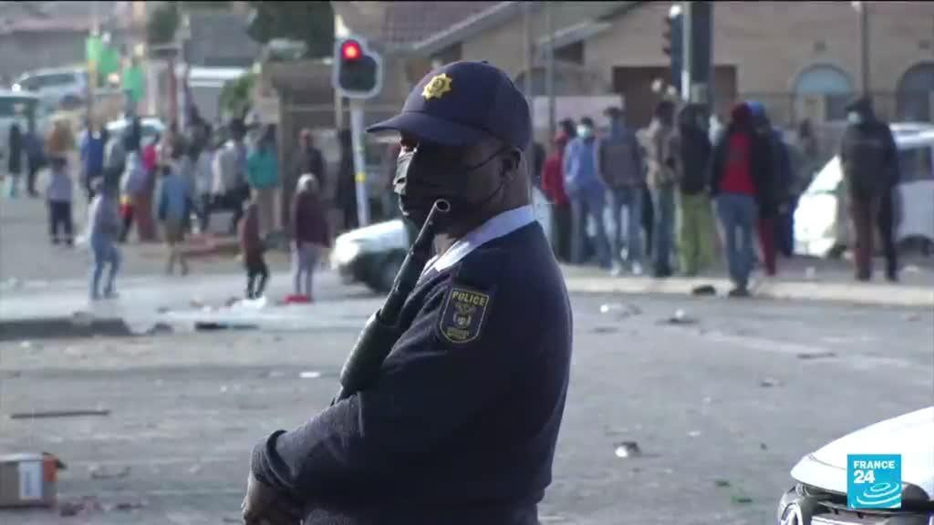 2021-07-13 18:03 Death toll mounts in South Africa rioting after Zuma jailing