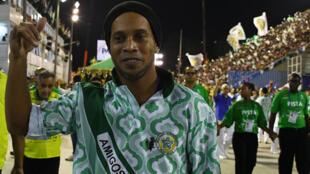 صورة لنجم كرة القدم البرازيلية السابق رونالدينيو في 28 شباط/فبراير 2017 في ريو دي جانيرو.
