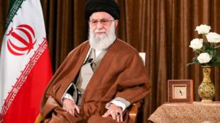 صورة وزعها مكتب المرشد الاعلى للجمهورية الاسلامية آية الله علي خامنئي في 22 آذار/مارس 2020 أثناء القائه خطابا في طهران