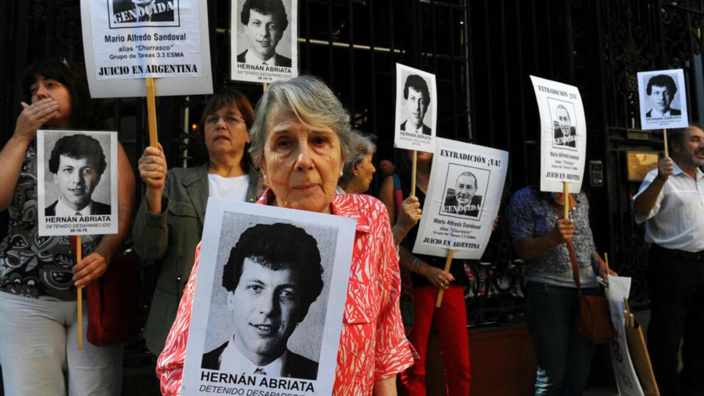 France to extradite former Argentine police officer over 'Dirty War' crime allegations