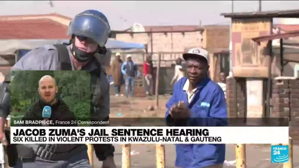 2021-07-12 16:10 6 dead in South Africa riots over jailing of ex-leader Zuma