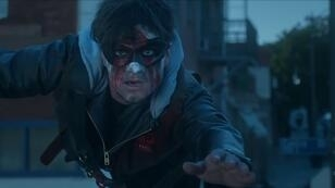 """Josh Hutcherson dans le clip """"Middle"""" de DJ Snake."""