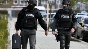عناصر أمن هولنديون في مدينة أوتريخت الهولندية - 18 مارس/آذار 2019.