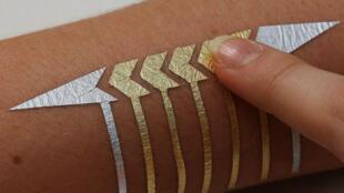 Le MIT et Microsoft ont créé une technologie de tatouages éphémères connectés.
