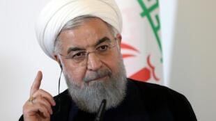 Imagen de archivo del presidente iraní, Hasan Rohaní, durante una rueda de prensa en Viena, Austria, el 4 de julio de 2018.