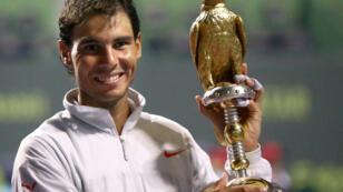Nadal a battu Monfils en trois sets en finale du tournoi de Doha