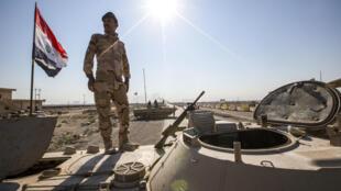 Un soldat irakien, le 5 novembre 2019, à proximité du port d'Umm Qasr.