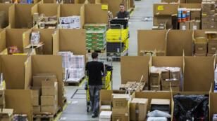 Un entrepôt d'Amazon à Koblenz, en Allemagne, le 29 novembre 2016.