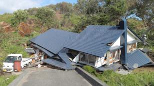 Une maison touchée par le séisme sur l'île d'Hokkaido, jeudi 6 septembre 2018.