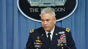 Le général américain John Campbell, patron de la mission de l'Otan en Afghanistan, lors d'une conférence de presse, lundi 5 octobre, à Washington.