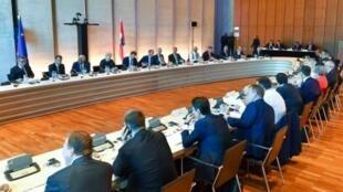 القادة الأوروبيون قبل بدء قمتهم غير الرسمية في سالزبورغ في النمسا في 20 أيلول/سبتمبر 2018