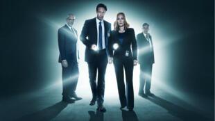 """""""X-Files"""" : les agents Mulder (David Duchovny) et Scully (Gillian Anderson) rempilent pour une saison 11 sur Fox."""