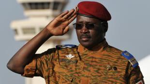 Le lieutenant-colonel Zida lors d'une cérémonie officielle, le 21 novembre 2014 à Ouagadougou.