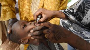Une campagne de vaccination contre la polio au Nigeria le 22 avril 2017