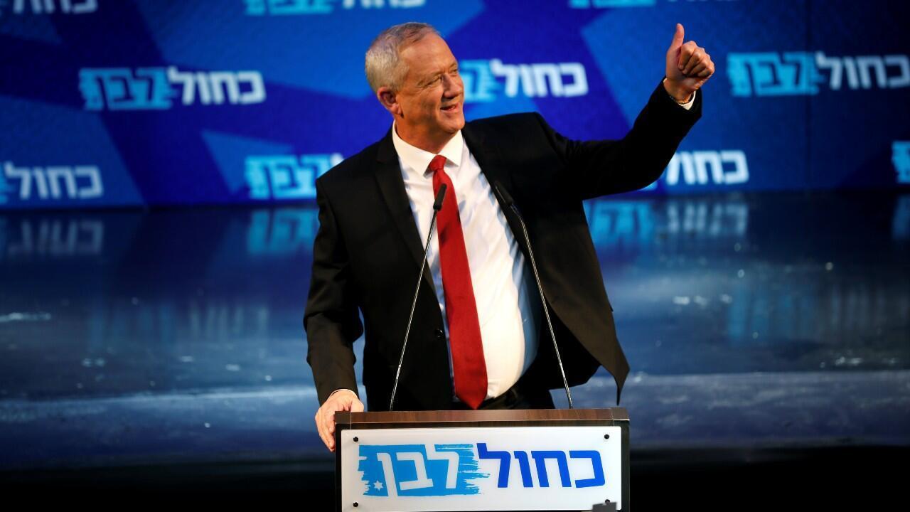 El líder del partido Azul y Blanco, Benny Gantz, en un mitin con sus seguidores en su campaña electoral en Tel Aviv, Israel.