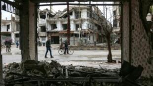 أبنية مدمرة في مدينة عربين في الغوطة الشرقية قرب دمشق 17شباط/فبراير 2018