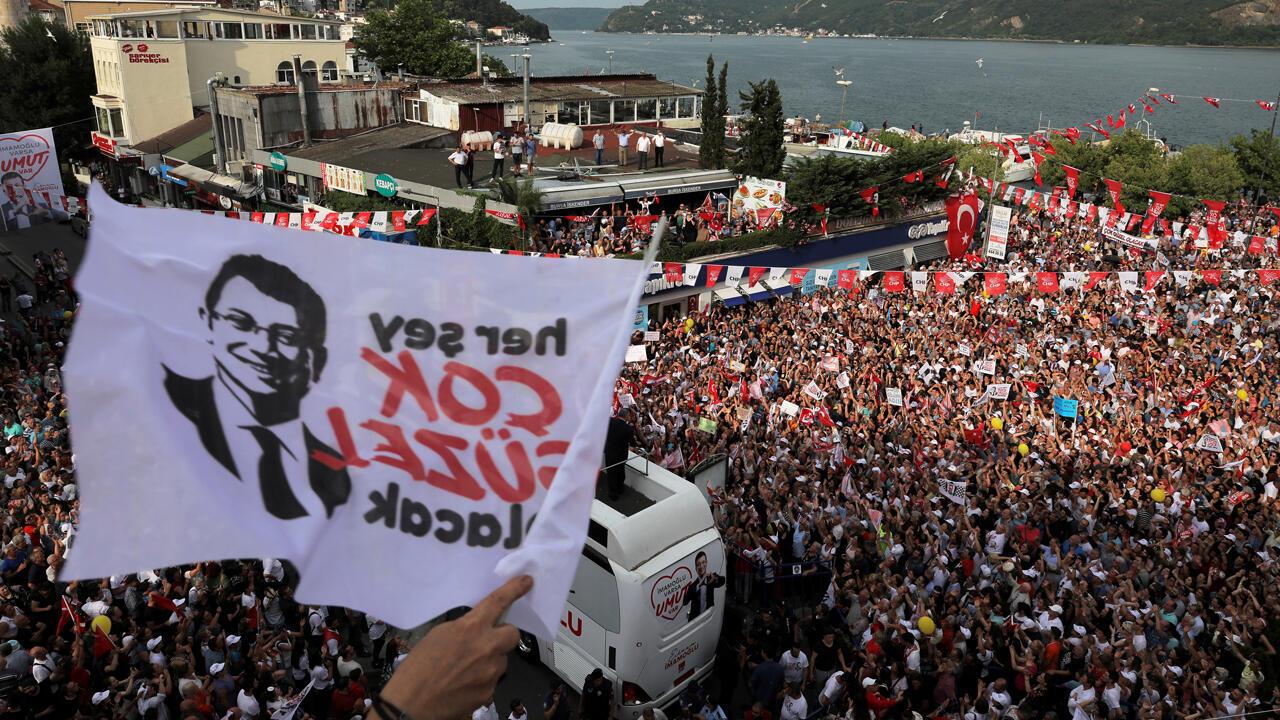 Ekrem Imamoglu ha denunciado repetidas veces la corrupción y el clientelismo del AKP.