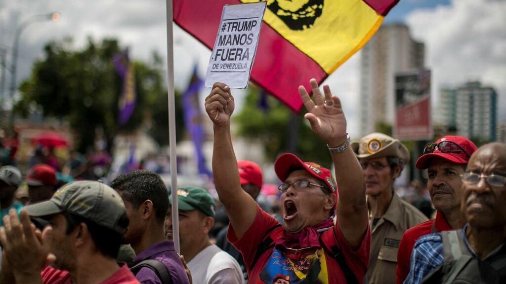 Simpatizantes del chavismo participan en una marcha que conmemora los 30 años del Caracazo este miércoles, en Caracas (Venezuela).