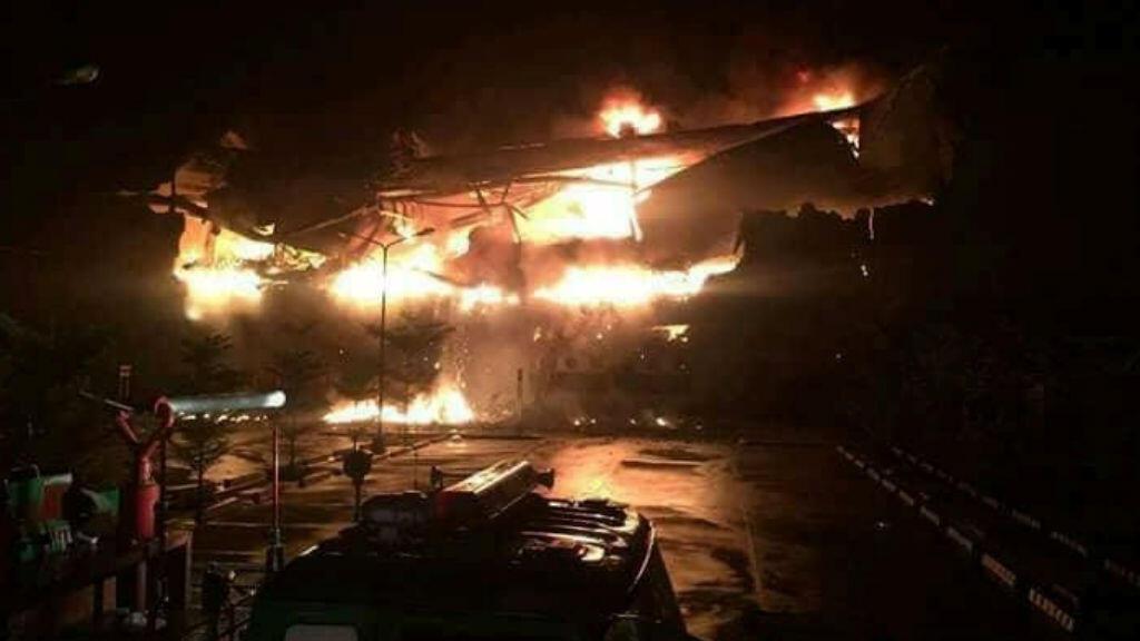 Un incendio habría causado la muerte de 37 personas en un centro comercial de la ciudad filipina de Davao.