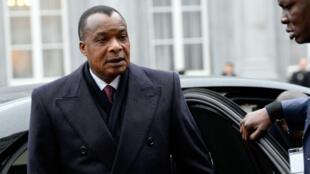"""Le président congolais Denis Sassou N'guesso, dont la fille et le gendre ont été mis en examen cette semaine dans le cadre de l'enquête sur les """"biens mal acquis"""""""