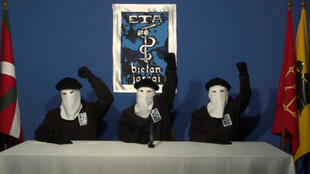 La organización separatista de origen vasco, ETA, anunció el fin de sus estructuras a través de un comunicado.
