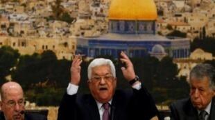 الرئيس الفلسطيني محمود عباس متحدثا في رام الله في 14 كانون الثاني/يناير 2018