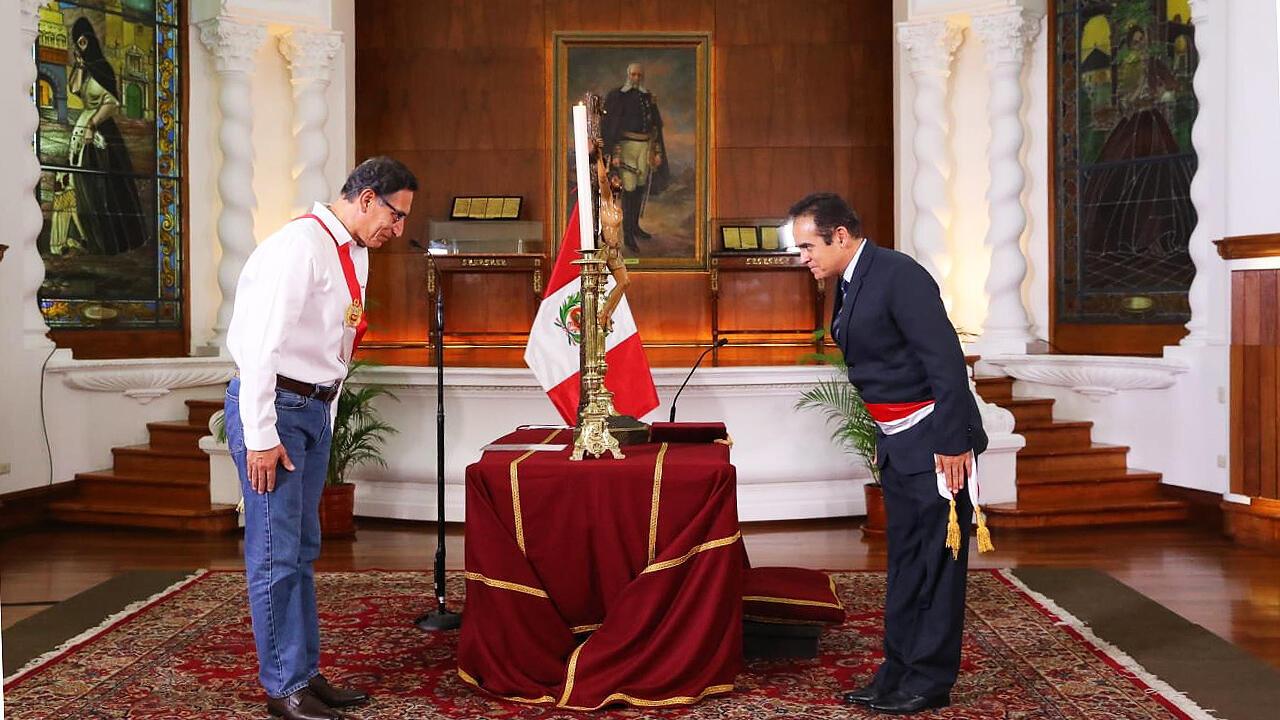 El presidente de Perú, Martín Vizcarra, posesionó al general Gastón Rodríguez como nuevo ministro del Interior, tras la salida de Carlos Morán en plena pandemia del Covid-19.