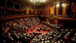 Le Sénat italien a été convoqué en urgence et s'est réuni le 13 août à Rome.