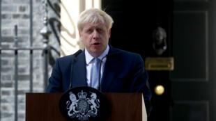 بوريس جونسون يلقي كلمته من أمام قصر باكينغهام في لندن، 23 يوليو/تموز 2019