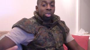 Capture d'écran d'une vidéo publiée sur des réseaux islamistes montrant Amedy Coulibaly, le tueur de l'Hyper Cacher.