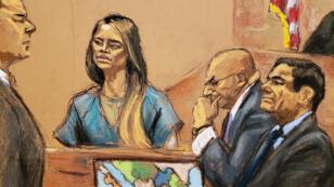 Lucero Guadalupe Sánchez, exdiputada y expareja de Joaquín 'El Chapo' Guzmán, testificó en la Corte Federal de Brooklyn, Estados Unidos, el jueves 17 de enero de 2019, en presencia de Guzmán (derecha) y los abogados de su defensa: Jeffrey Lichtman (izquierda) y Eduardo Balarezo (centro).