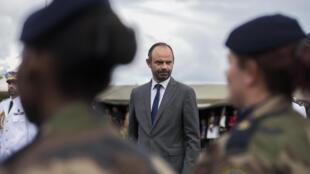 Le Premier ministre français, Édouard Philippe, lors de son arrivée en Martinique, samedi 4 novembre.