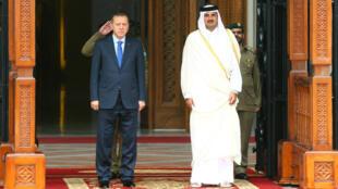 الرئيس التركي رجب طيب أردوغان رفقة أمير قطر الشيخ تميم بن حمد آل ثاني