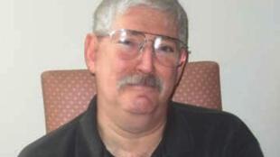 صورة نشرتها أسرة بوب ليفنسون يظهر فيها العميل السابق في مكتب التحقيقات الفدرالي الأميركي (أف بي آي) في 2007.