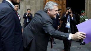 El presidente electo de Argentina, Alberto Fernández, llegó al Palacio Nacional de México para encontrarse con el mandatario mexicano este 4 de noviembre de 2019
