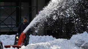 La tempête Jonas a fait tomber des quantités massives de neige durant plus de 36 heures.