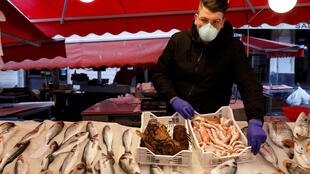 A fish market is virtually deserted after a decree orders the whole of Italy to be on lockdown in an unprecedented clampdown aimed at beating the coronavirus, in Catania, Italy, March 10, 2020.