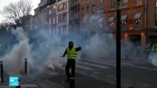 """أحد متظاهري """"السترات الصفراء"""""""