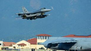 L'armée turque a fait décoller, samedi 3 octobre, deuxF-16 pour intercepter l'avion de chasse russe.
