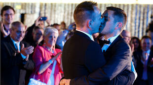 Célébration le 29 mai 2013 du premier mariage gay en France.