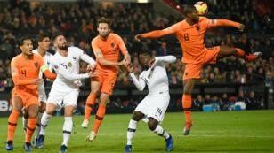 Les Bleus ont été dominés par les Pays-Bas, à Rotterdam.