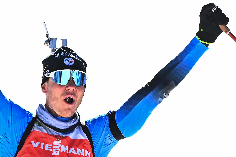 Le Français Émilien Jacquelin, vainqueur de la poursuite aux Championnats du monde de biathlon, le 14 février 2021 à Pokljuka (Slovénie)