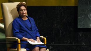 La présidente menacée Dilma Rousseff, le 24 septembre 2014 lors de la 69e session de l'Assemblée générale des Nations Unies, à New York.