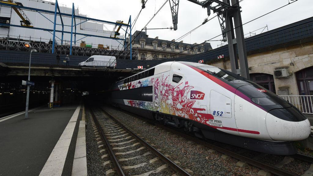 Un nouveau TGV, baptisé l'Oceane, relie désormais Paris à Bordeaux en 2 heures et 4 minutes.