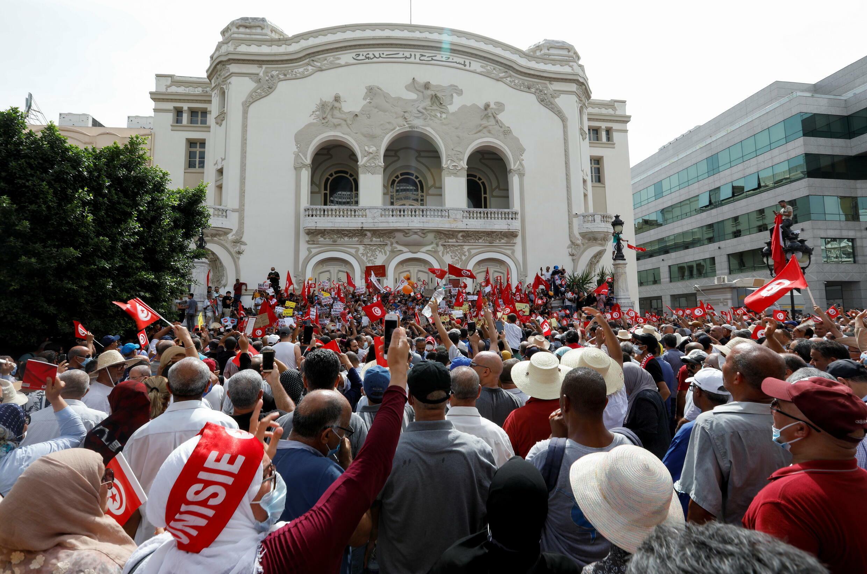 2021-09-26T124919Z_1848492270_RC2OXP9SCXUS_RTRMADP_3_TUNISIA-POLITICS